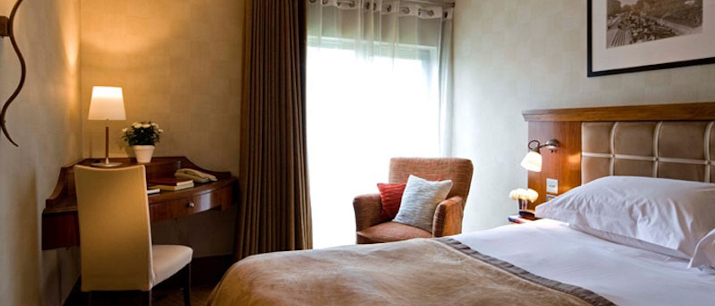 Bedroom at the Runnymede on Thames